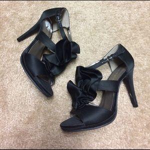 Ann Marino Shoes - Black ruffled heels