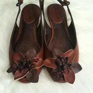 NWOT Brown slingbacks flats Sam & Libby size 7