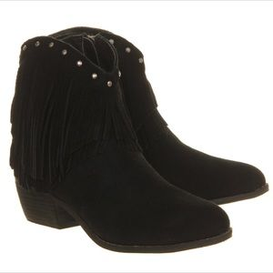 Minnetonka Shoes - Minnetonka Bandera Fringe Studded Cowgirl Boots
