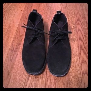 Other - Men's Sandover suede chukka made in India