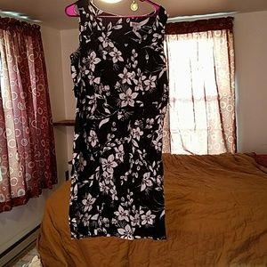 Avenue Dresses & Skirts - Sleeveless dress