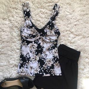White House Black Market Floral Sleeveless Top XXS