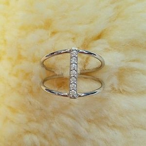 Muse Refined Jewelry - Sterling Silver Vertical CZ Bar Ring