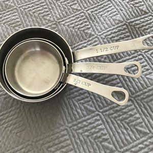 Odd size Williams-Sonoma Measuring cups