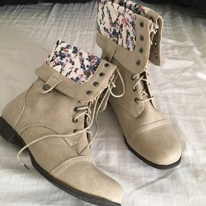 BRAND NEW BOOTIES - Size 8