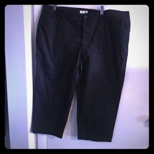 St. John's Bay Pants - Black capris