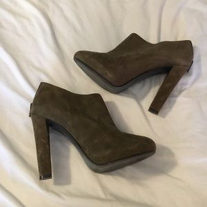 14th & Union Shoes - Olive Booties