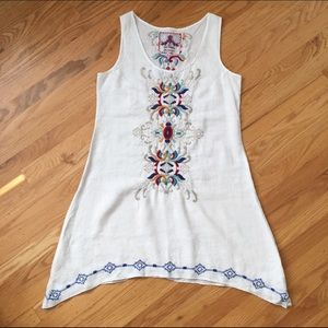 Johnny Was Dresses & Skirts - Johnny Was embroidered linen dress