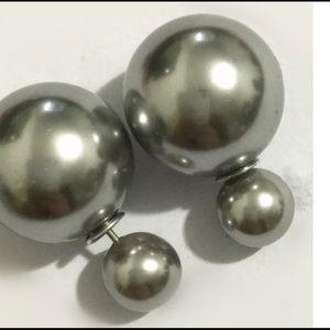Jewelry - ⚡️SALE⚡️Double side bead fashion earring