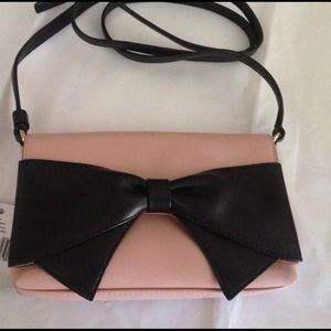 kate spade Handbags - WKND SALE 🎉Kate Spade Bow Crossbody