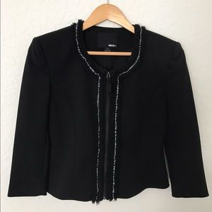 FOREVER 21 Black Cropped Jacket 