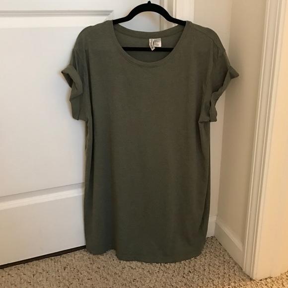 20f72bf665dd2 H M Dresses   Skirts - H M Olive Green T-Shirt Dress