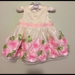 American Princess Other - Adorable Rosette dress!