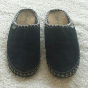 """Foamtreads Shoes - Foamtreads """"Leisure"""" Suede Slip Ons. Size 6."""