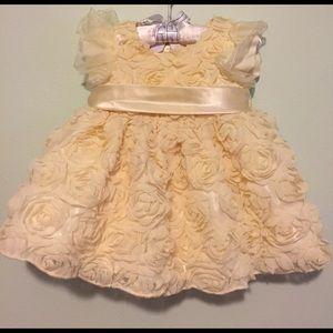 American Princess Other - 🌷SALE🌷Cream Rosette Dress!