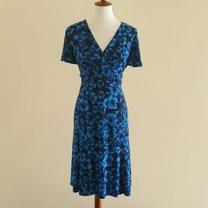Chaps Dresses & Skirts - CHAPS Blue Floral Flutter Sleeve Dress