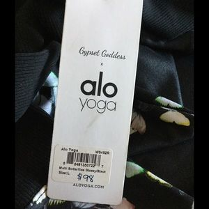 b410dfad871b98 ALO Yoga Pants | Nwt Goddess Legging Butterflyblack | Poshmark