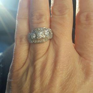 Vintage Jewelry - 1 1/2 k diamond vintage ring