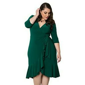 Kiyonna Dresses & Skirts - Whimsy Wrap dress in Green