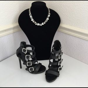 Steve Madden Shoes - NWOT STEVE MADDEN Black RECITAL Gladiator Sandals
