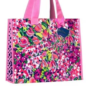 Lilly Pulitzer Handbags - NWT LILLY PULITZER CONFETTI MARKET BAG ECO CHIC