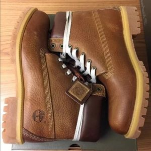 Timberland Other - Timberland 6 inch Premium Leather Boot