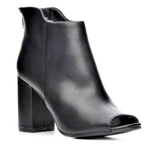 "Seven Dials Shoes - ""Tinsley"" Black Open Toe Ankle Boots"