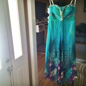 Tony Bowls Dresses & Skirts - Tony Bowls Aqua Formal Dress 🌺