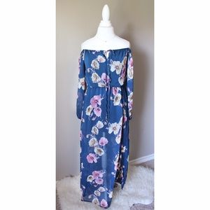Dresses & Skirts - 💐Strapless floral mauve Maxi Dress