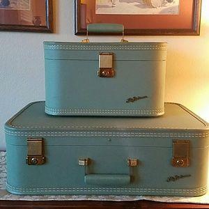 Vintage 1950s Suitcase and Traincase Set