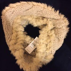 BNWT Ann Taylor Loft Faux Fur Sweater Snood