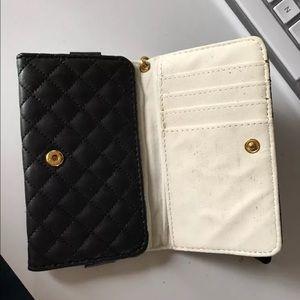 Bags - Wallet wristlet