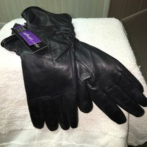 Saks Fifth Avenue Accessories - Leather gloves