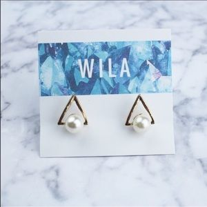 WILA Jewelry - NEW! Triangle faux pearl earrings