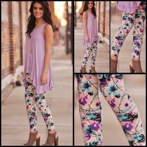 Pants - Lilac Spring Pattern Leggings
