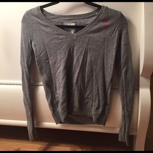 Nwot grey abercrombie sweater