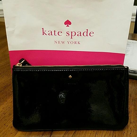 Kate Spade Handbags - 🍃🌸Kate Spade Large Wristlet🌸🍃