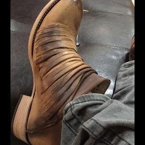 Steve Madden Shoes - Freebird by Steve FB score boot NWT Runs  big RARE
