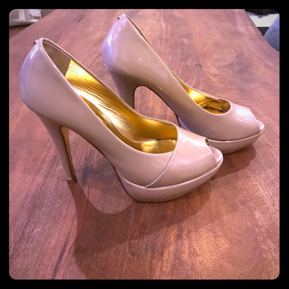 2b91046557a36 Women s Ted Baker nude peep toe heels. Size 7. M 58b8f557bf6df570c9011d73