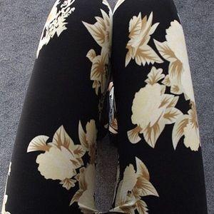 •Rose Floral Leggings•