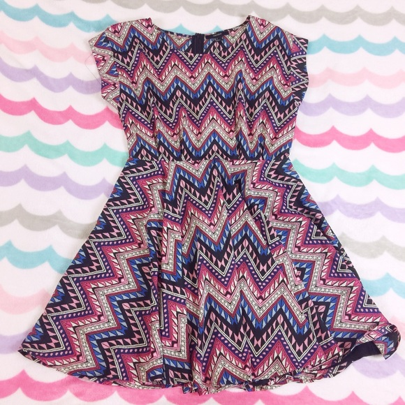 Forever 21 Dresses & Skirts - Patterned dress