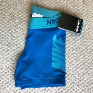 Nike Pants - Nike Pro Cool Graphic 3 Inch Womens Shorts