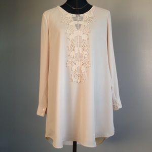 ASTR Dresses & Skirts - ASTR Shift Dress