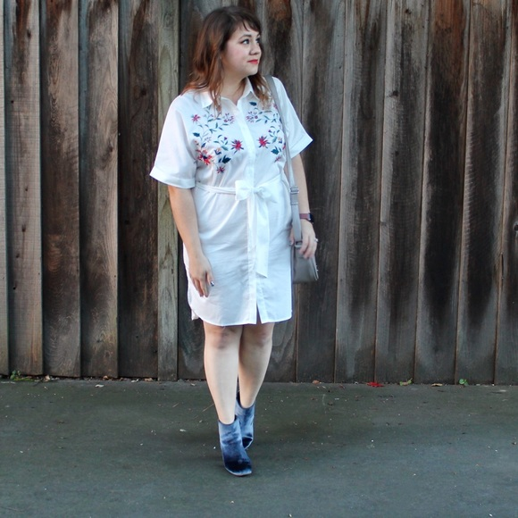 RGL Collection Dresses - White Floral Embroidered Shirt Dress