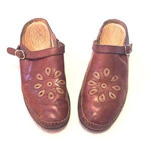 Naturalizer Shoes - ❣BOGO 1/2 off❣Naturalizer leather mules 10