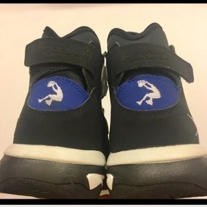 Reebok Shoes - NWT Reebok Shaq Attaq IV   4 - Men s Size 10.5 e320e89c2