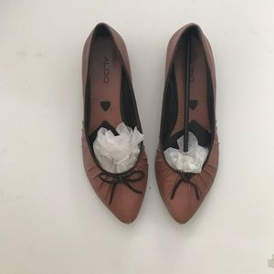 ALDO. pink kitten heels - size 39 barely heel  BOX