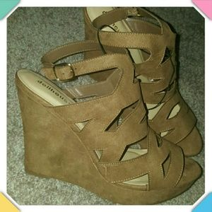 Dollhouse Shoes - Wedges, Size 12M NWT