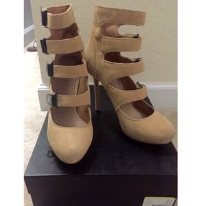 L.A.M.B. Shoes - L.A.M.B tan/ black buckle heels