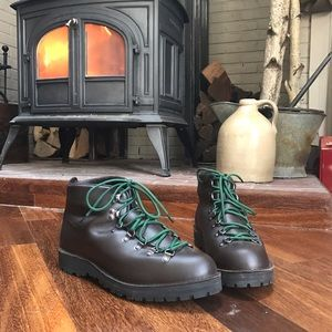Danner Other - Brand new Danner Mountain Light boots size 12
